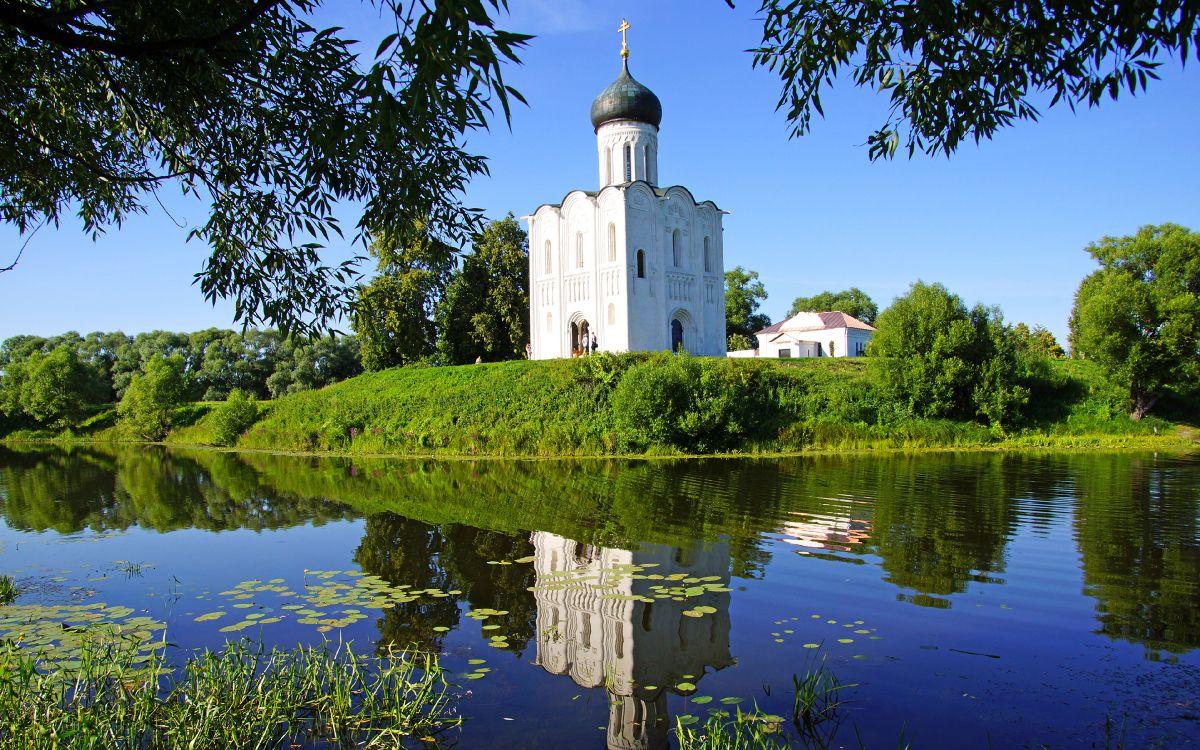 картинки монастырь у воды используется