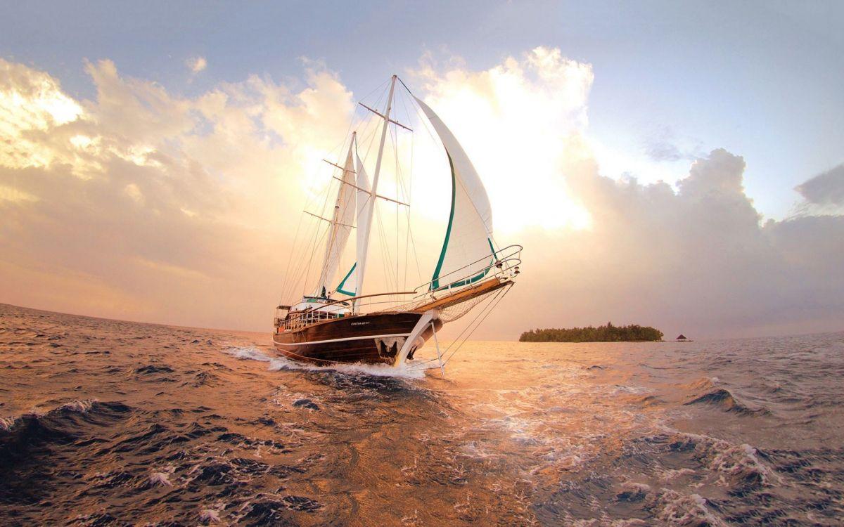 работы картинки хорошая лодка с парусами русского