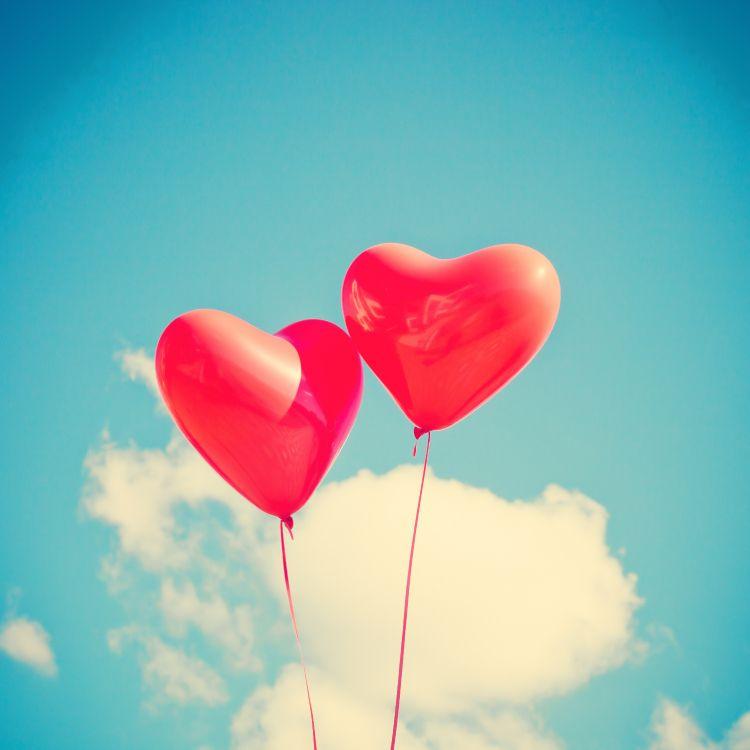 открытка с воздушными шарами в виде сердца учитывать