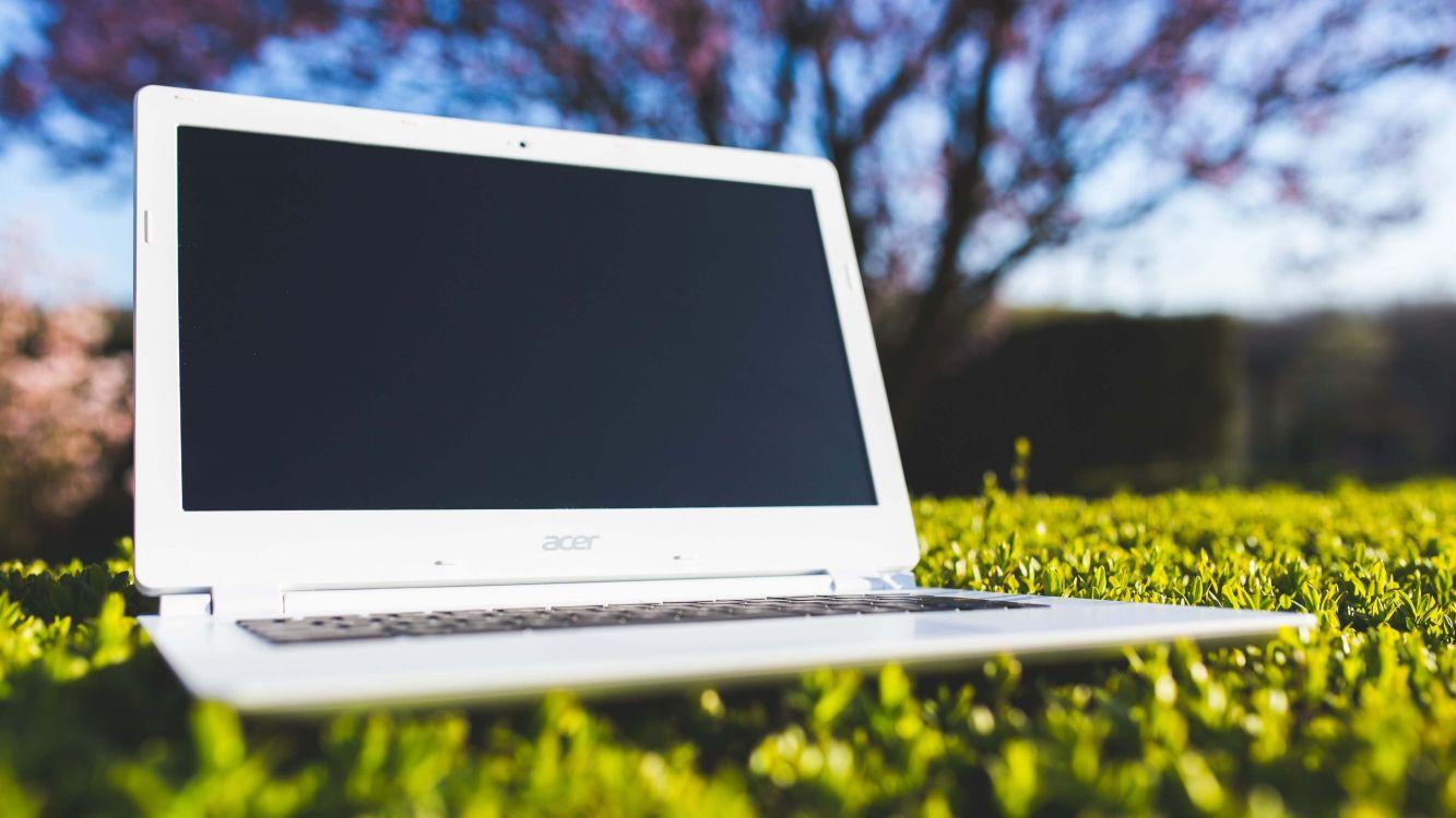 Обои трава, компания Acer, нетбук, технологии, microsoft windows в разрешении 3840x2160